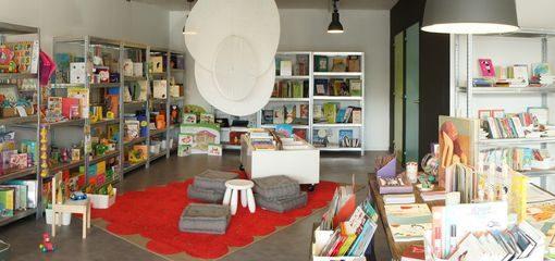 Photo de la librairie pour enfants La Petite Fabrique à Venelles